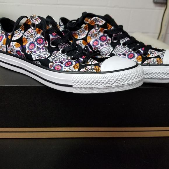 8d59d02c7c Converse sugar skull sneakers Wsize 8.5 Msize 6.5